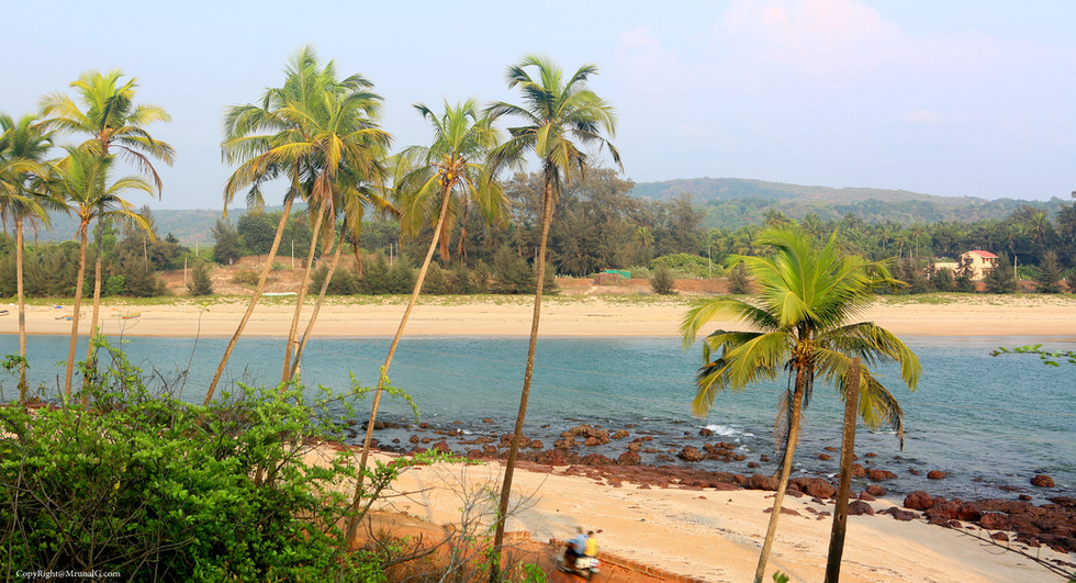8.5 Taramumbari beach road from the nearby hill top