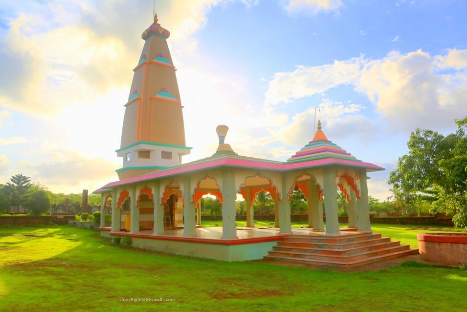 Rakhaneshwar temple near Talebajar Devgad