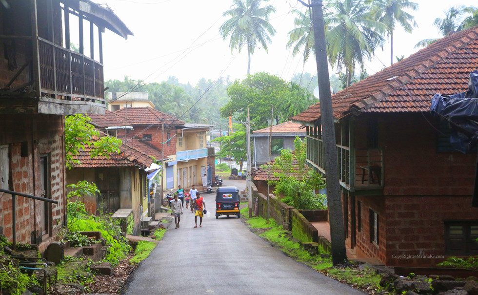 Old houses through the main Devgad road towards the port area.
