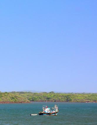 7.13 Fishing trawler in Vijaydurga bay