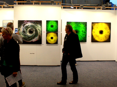 Why should artists use HOLOFIL @ art fairs