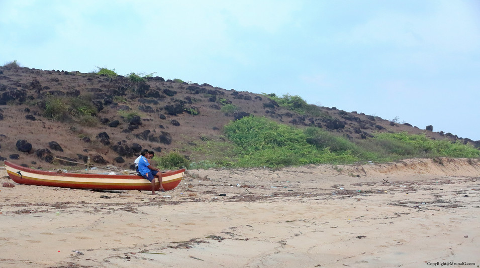 Small beach next to Taramumbri beach