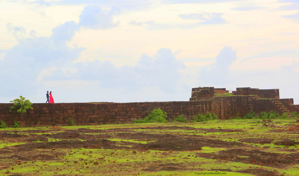 Devgad fort area and a couple walks on the fortified wall.