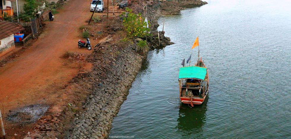 7.25 Vadatar boat parking