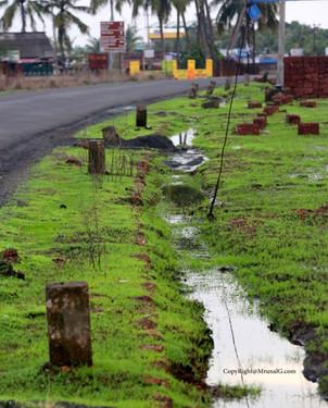 8.17 Nipani Devgad main highway next to Khakshi intersection