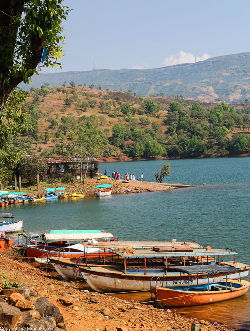 Boating with lots of water sports activities in the Tapola lake
