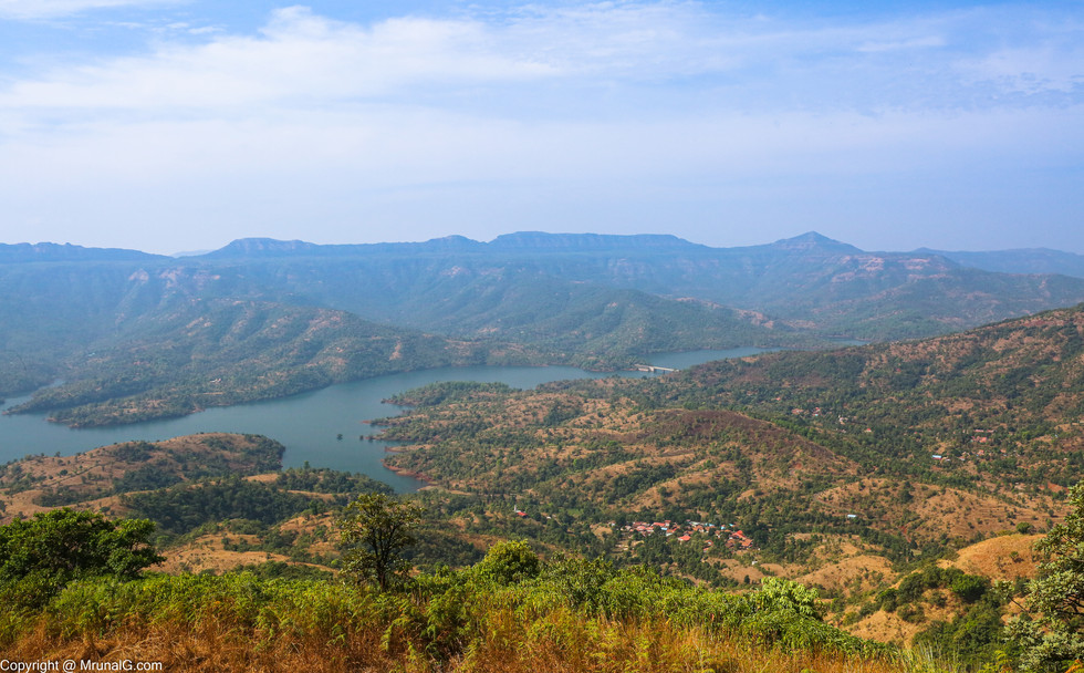 Koyna backwaters view on the road from Mahabaleshwar to Tapola