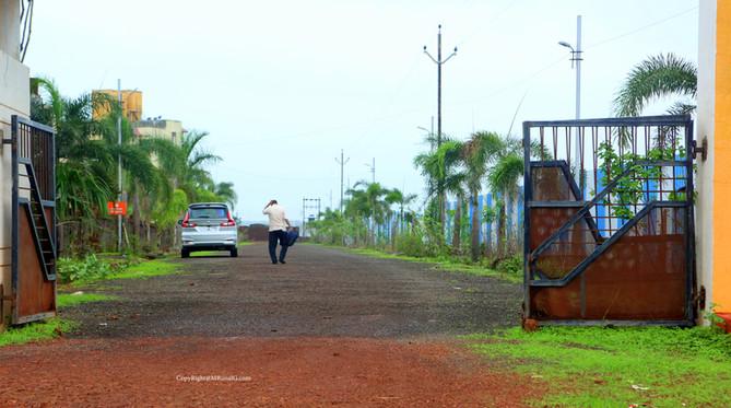 8.36 Mango house internal road next to petrol pump Devgad area