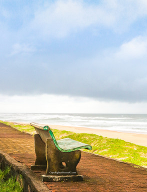 The perfect bench - Tambaldeg beach Devgad