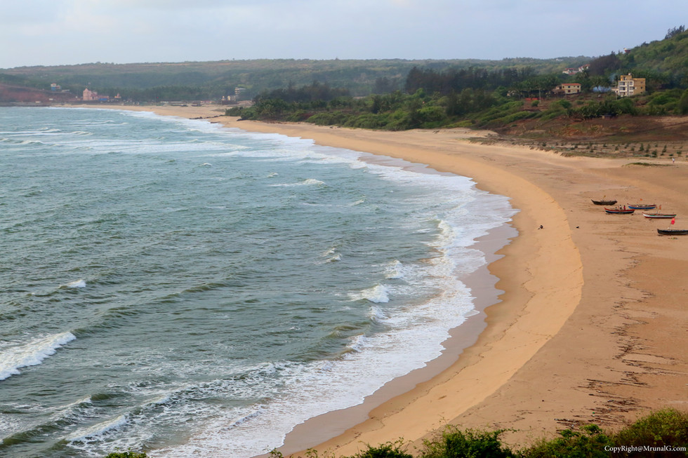 3.11 Kunkeshwar beach other end from a nearby hill