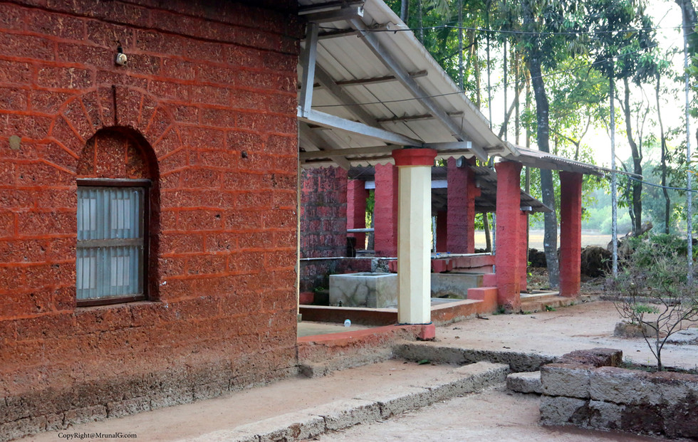 Caretaker and guest houses in a big villa house complex