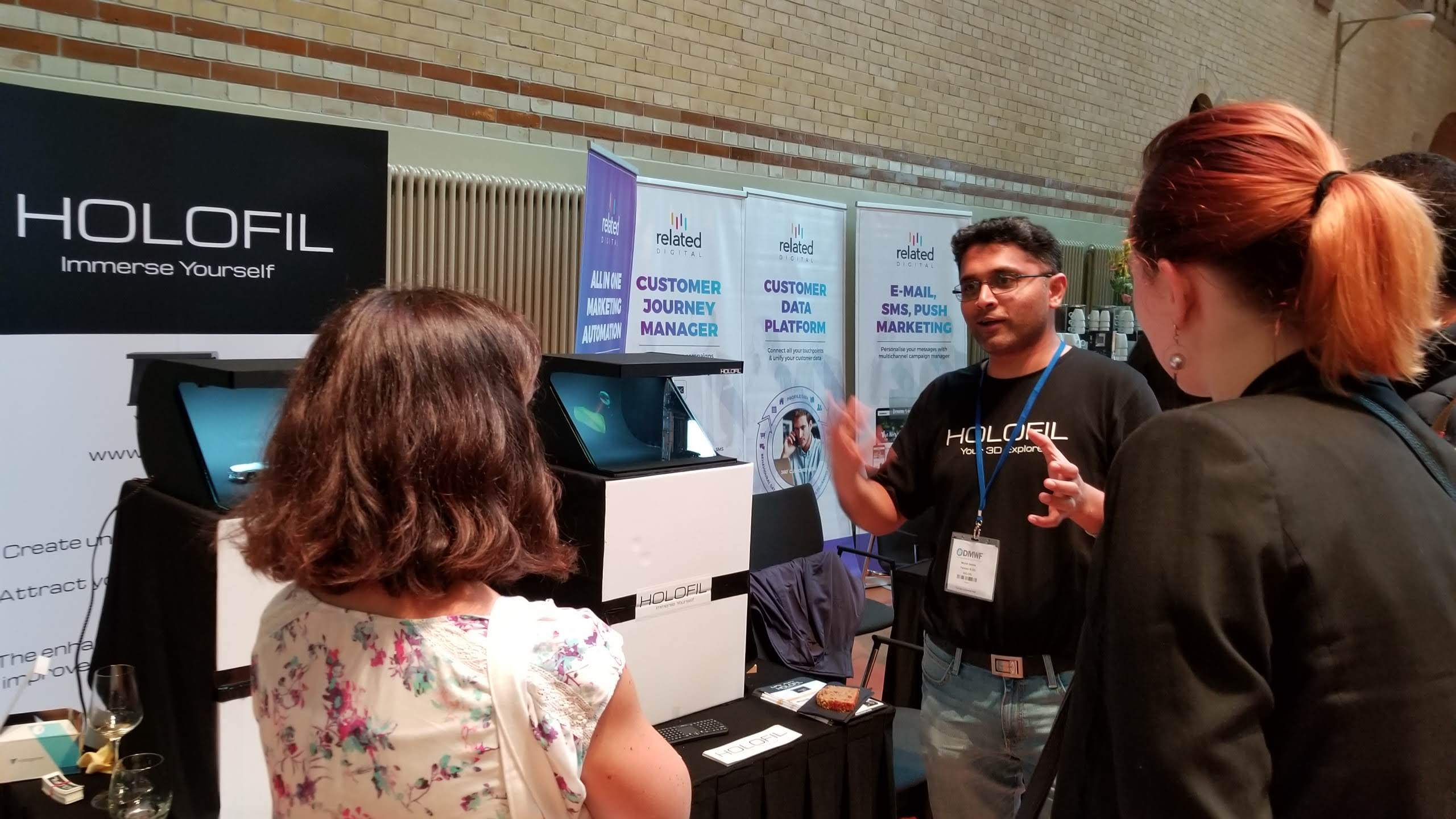 Mrunal explaining at DMWF Amsterdam