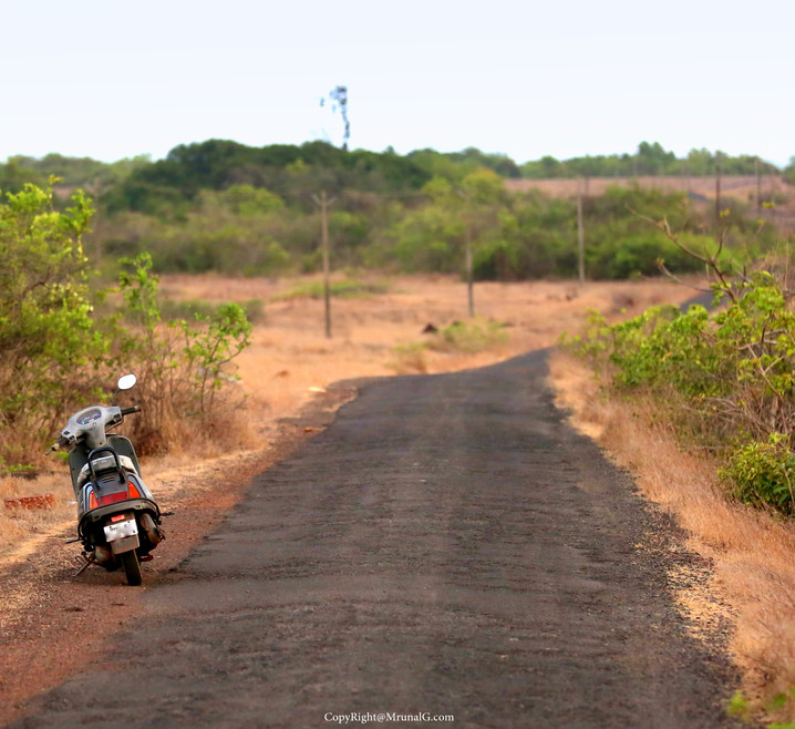 Road to Padvane village