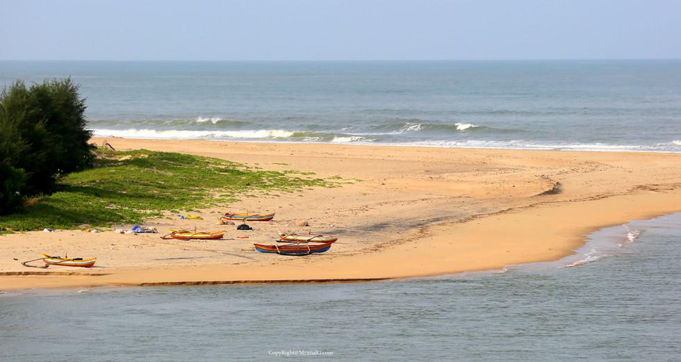 3.47 Mithmumbri beach corner