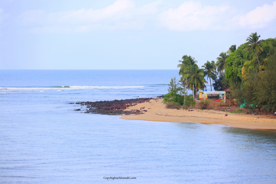 The houses on the Taramumbari beach