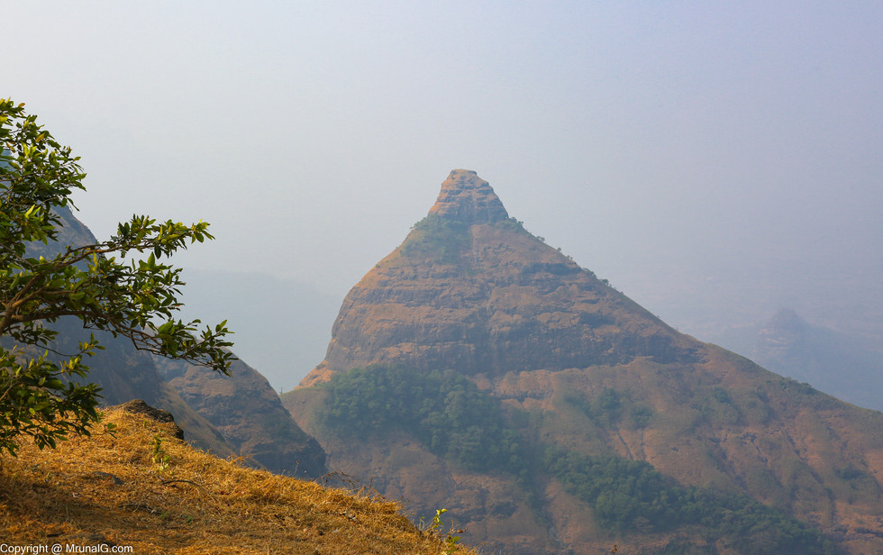 Peak at the Tiger point Lonavla