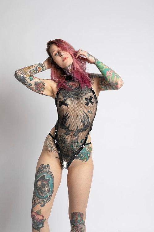 Frau mit Sexy Body in schwarz