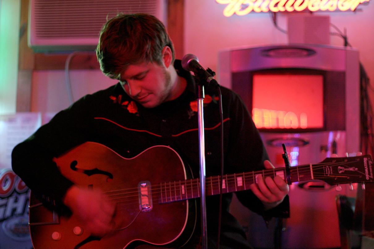 _MG_0283_jeff-guitar-man.jpg