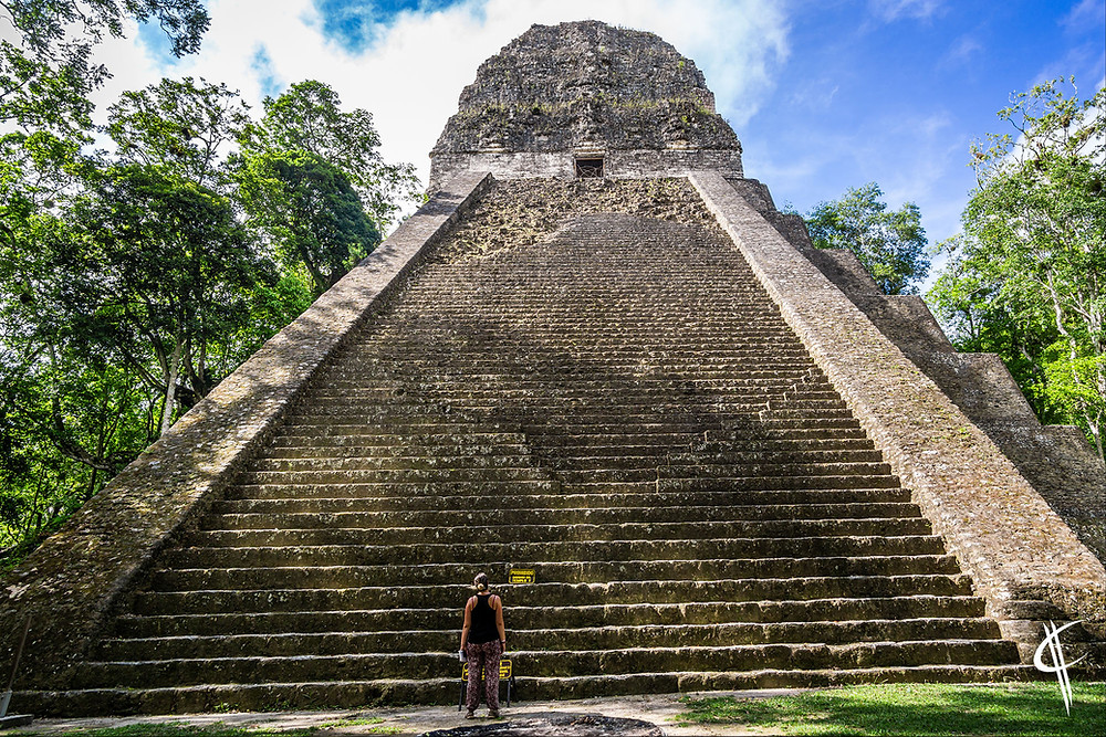 Watching pyramids in Tikal