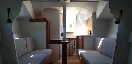 Ponza 35 Interieur.jpeg