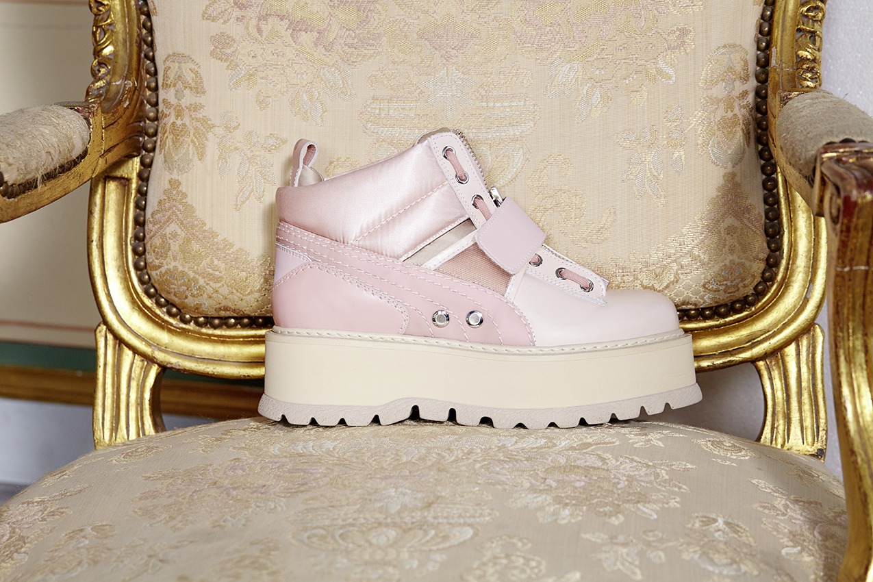 17SS_CC_Fenty-Collection_Sneaker-Boot-Strap-Womens_Social_0443