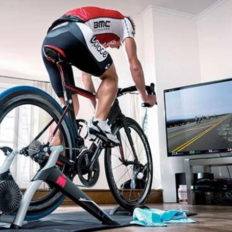 Prevención sobrecarga lumbar en ciclistas y triatletas.