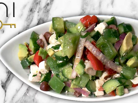 low carb : avocado greek salad