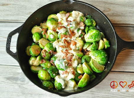 low carb thanksgiving : roasted bacon brussels sprouts with garlic parmesan