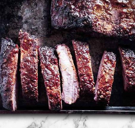 low carb : smoked pork spare ribs + chili garlic sauce