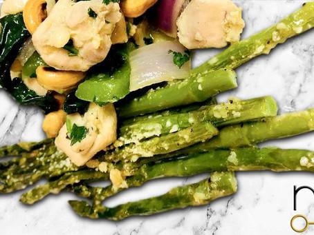 low carb : garlicky parmesan asparagus
