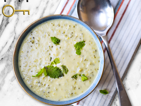 low carb : broccoli cheese soup
