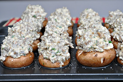 low carb thanksgiving : sausage stuffed mushrooms