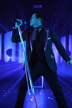Robbie Williams Tribute, Mike Andrew. Hire Robbie Williams Tribute at Abacaa