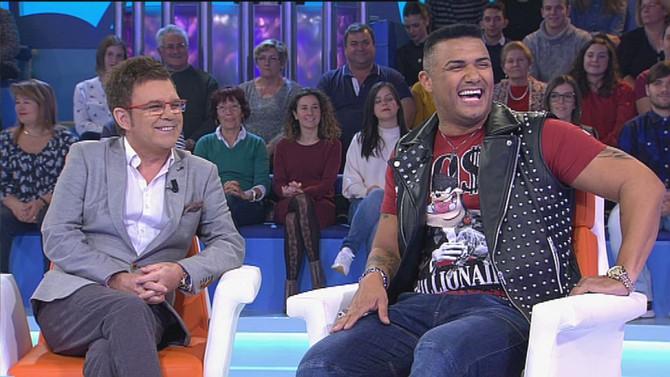 El cantante dominicano Henry Méndez llena de ritmos latinos un Bamboleo que consiguió para la noche