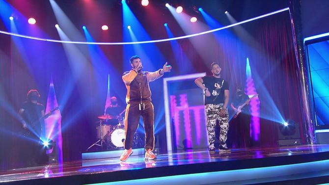 Bamboleo continúa a ritmo de verano con la música de Omar Montes y Los Satélites para conseguir más