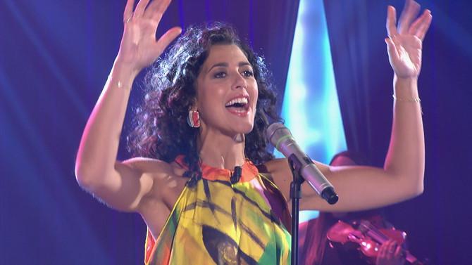 Lucía Pérez emociona con su voz al público de Bamboleo, que también se animó este sábado con los rit