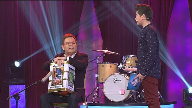 """Joel Padín gana el concurso musical infantil """"Pequenos Fenómenos"""" y dona su premio a la pr"""