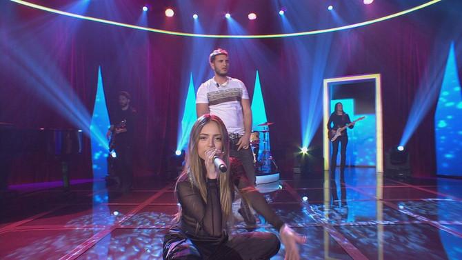 Omar Montes y Ana Mena llenan de música y espectáculo el escenario de Bamboleo, que consiguió supera