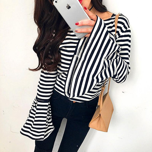 B&W Bell Sleeve Top