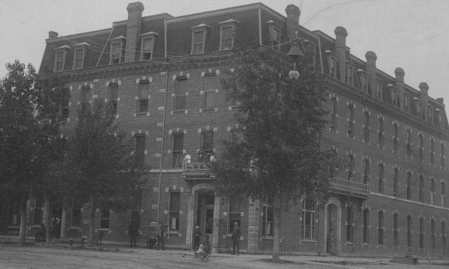 Hotel St. Cloud circa 1910 - 1914.