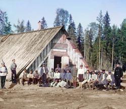 Военнопленные австрийцы у барака