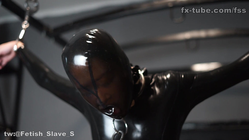 Latex slave electric and breathplay