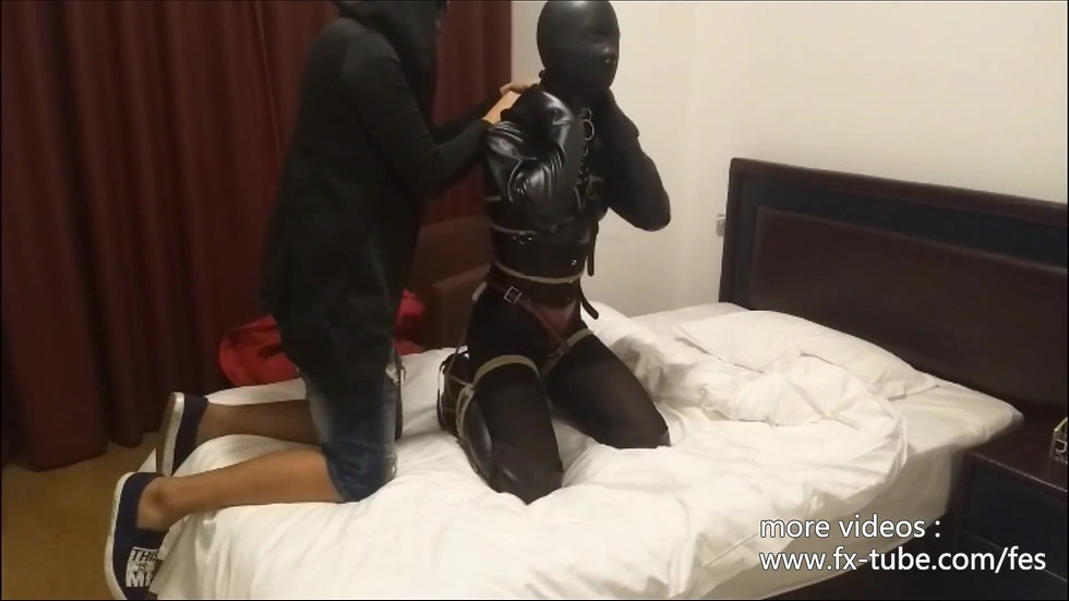 Full leather set bondage and breathplay part1