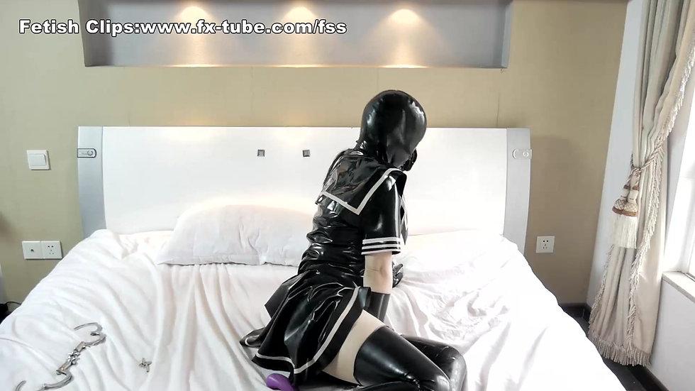 [Dove] Latex girl hood breathplay and self bondage