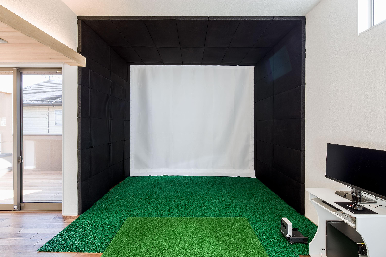 ゴルフシミュレーターがあるリビング