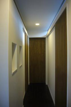 2階子世帯の廊下には欄間を