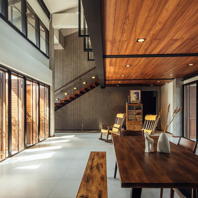 Individueller Innenausbau mit Holz in modernen Wohnumgebungen für Berlin