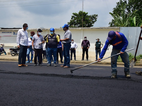 Prefectura asfalta más calles de Pasaje