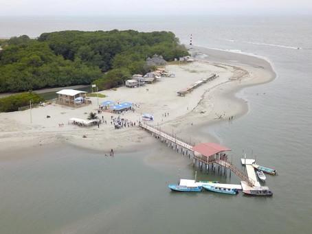 Prefectura inauguró  muelle en playa Punta Faro de Jambelí