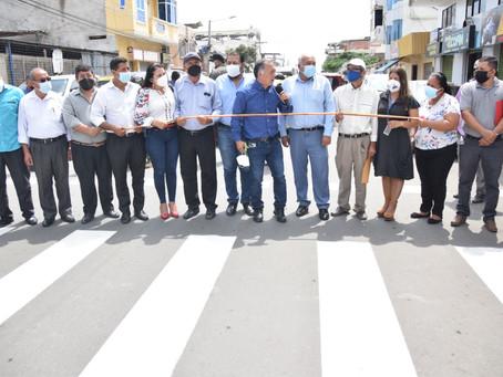 Prefecto Clemente Bravo inauguró 6.9 Km de calles céntricas en Huaquillas